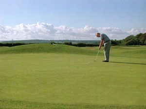 Enjoy golf holidays in Devon at Oakmead